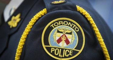 Toronto:Il consiglio scolastico vota per il programma finale che mette gli agenti di polizia nelle scuole superiori